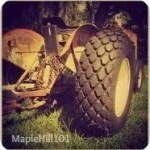 Maple Hill Hop Button